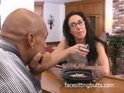 Видео стрептиз дома для мужа